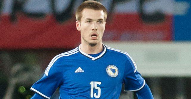 Na fotografiji je prikazan fudbaler: Toni Šunjić