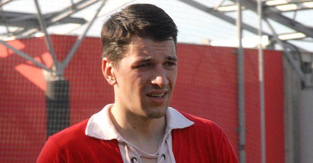 Na fotografiji je prikazan glumac: Viktor Savić