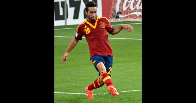 Na fotografiji je prikazan fudbaler: Dani Karvahal