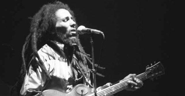 Na fotografiji je prikazan muzičar: Bob Marli (Bob Marley)