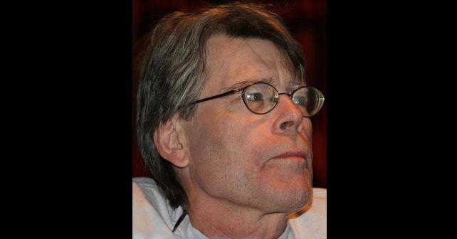Na fotografiji je prikazan pisac, glumac, producent: Stiven King (Stephen King)