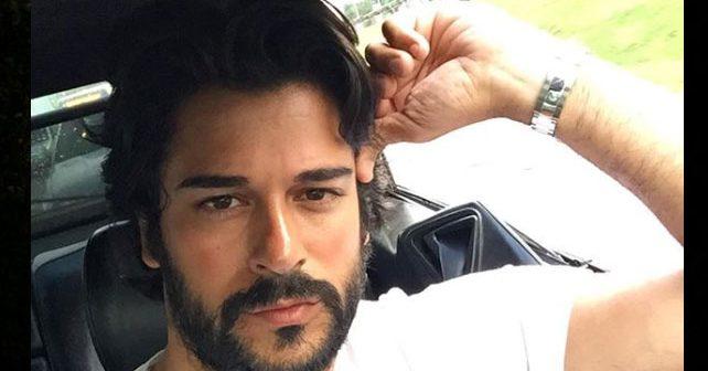 Na fotografiji je prikazan glumac, model: Burak Ozčivit