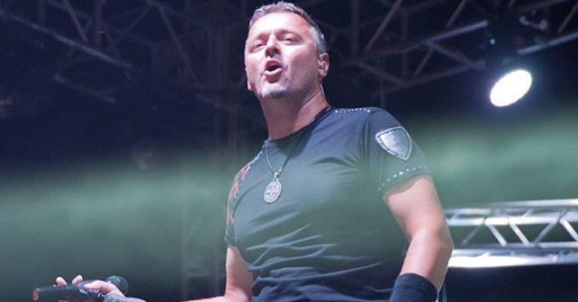 Na fotografiji je prikazan pevač, muzičar: Marko Perković Tompson