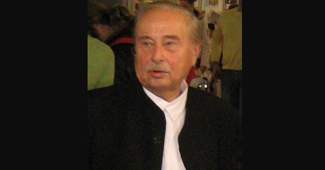 Na fotografiji je prikazan književnik, pesnik: Milorad Pavić