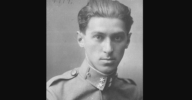 Na fotografiji je prikazan književnik: Miloš Crnjanski