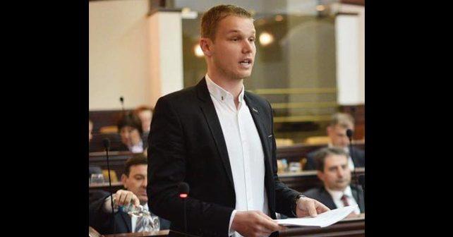 Na fotografiji je prikazan student, političar: Draško Stanivuković