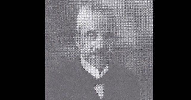 Na fotografiji je prikazan književni kritičar, esejist: Bogdan Popović