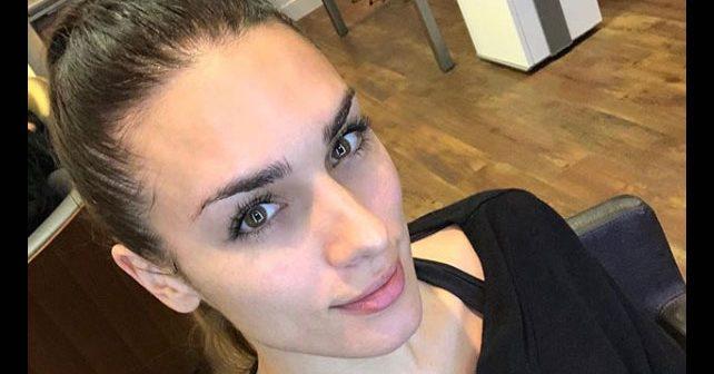 Na fotografiji je prikazan manekenka, model, glumica: Ivana Korab