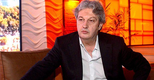 Na fotografiji je prikazan novinar, voditelj: Milomir Marić