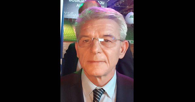 Na fotografiji je prikazan političar: Šefik Džaferović