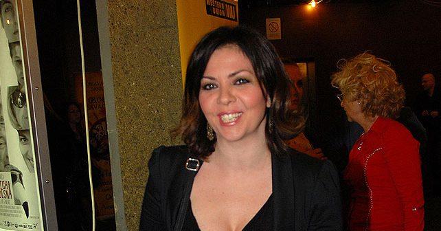 Na fotografiji je prikazan pevačica, kompozitor, tekstopisac: Kristina Kovač