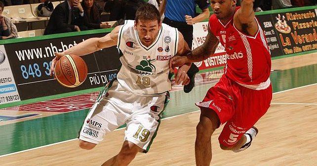 Na fotografiji je prikazan košarkaš: Marko Jarić