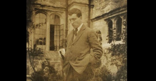 Na fotografiji je prikazan književnik, vojnik: Robert Grejvs (Robert Graves)