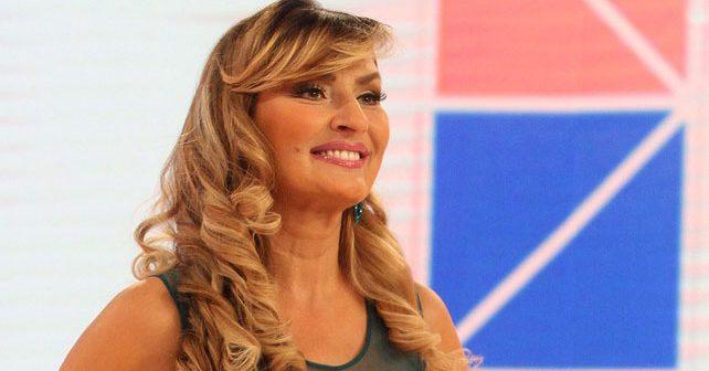 Na fotografiji je prikazan pevačica: Snežana Sneki Babić