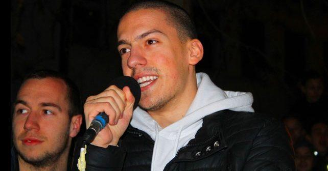 Na fotografiji je prikazan jutjuber, pevač, gejmer: Bogdan Ilić (Baka Prase)