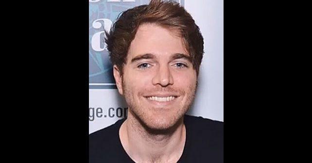 Na fotografiji je prikazan youtuber, glumac: Shane Dawson