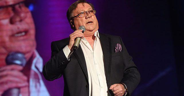 Na fotografiji je prikazan pevač: Halid Bešlić