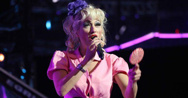 Na fotografiji je prikazan pevačica, glumica, voditeljka: Suzana Perović