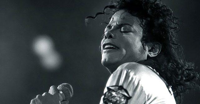 Na fotografiji je prikazan pevač: Michael Jackson (Majkl Džekson)