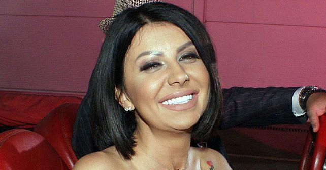 Na fotografiji je prikazan pevačica: Olja Bajrami