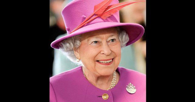 Na fotografiji je prikazan kraljica: Elizabeta II (Elizabeth II)