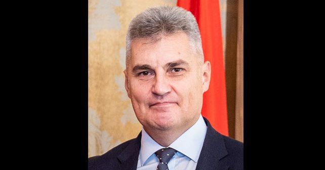 Na fotografiji je prikazan političar, građevinski inženjer: Ivan Brajović