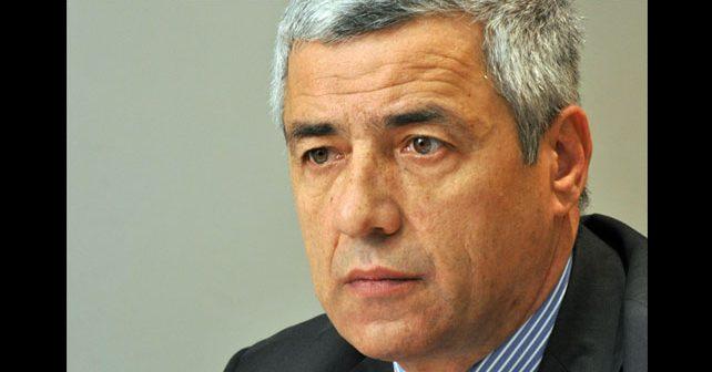 Na fotografiji je prikazan političar, ekonomist: Oliver Ivanović