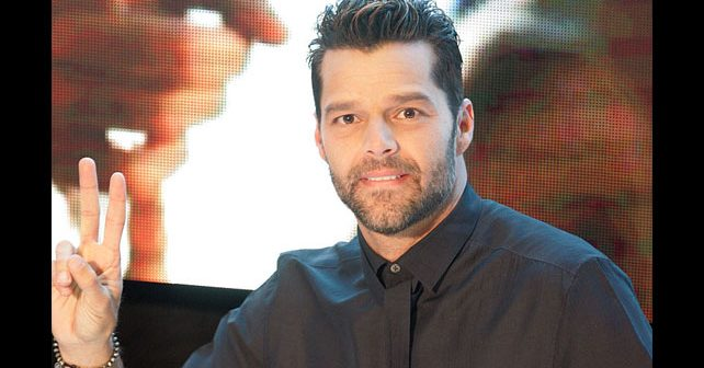 Na fotografiji je prikazan pevač, glumac: Ricky Martin (Riki Martin)