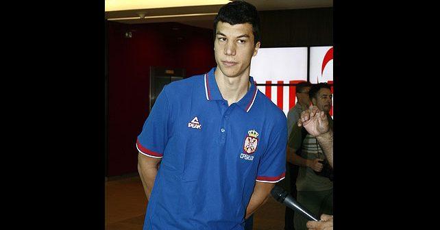 Na fotografiji je prikazan košarkaš: Vladimir Lučić