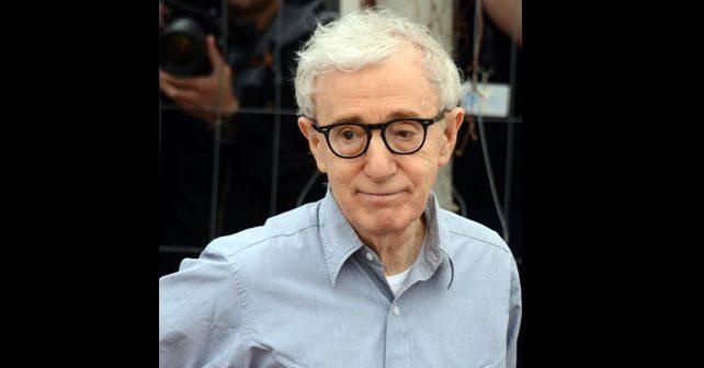 Na fotografiji je prikazan glumac, režiser, pisac: Vudi Alen (Woody Allen)