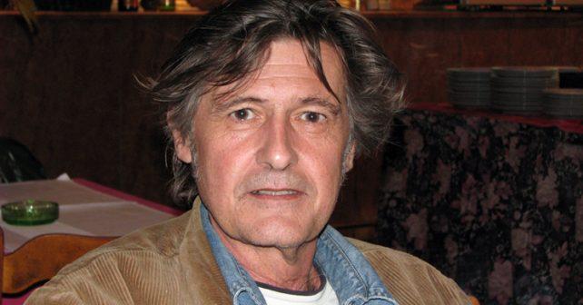 Na fotografiji je prikazan kompozitor, pijanista, pisac: Miloš Petrović