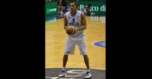 Na fotografiji je prikazan košarkaš: Danilo Galinari
