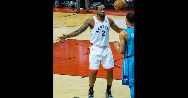 Na fotografiji je prikazan košarkaš: Kavaj Lenard (Kawhi Leonard)