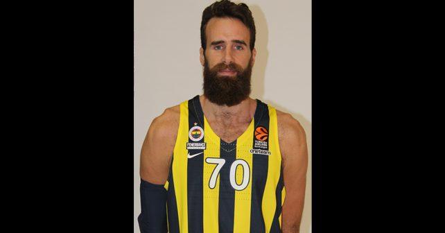 Na fotografiji je prikazan košarkaš: Luiđi Datome