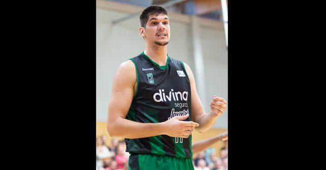 Na fotografiji je prikazan košarkaš: Marko Todorović