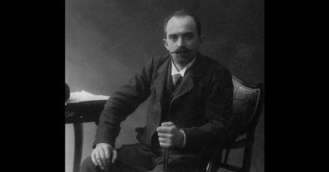 Na fotografiji je prikazan pesnik, učitelj: Milorad Petrović