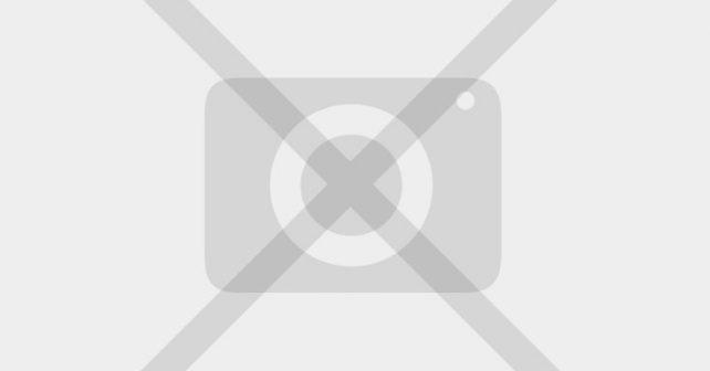 Na fotografiji je prikazan pevačica, starleta: Emma Lapin