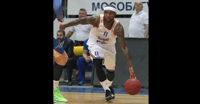 Na fotografiji je prikazan košarkaš: Tajris Rajs (Tyrese Rice)