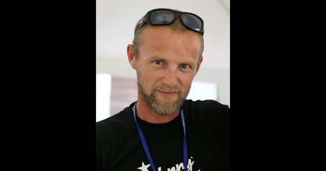 Na fotografiji je prikazan pisac, muzičar, tekstopisac: Ju Nesbe (Jo Nesbø)