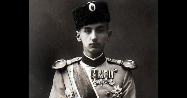 Na fotografiji je prikazan prestolonaslednik, političar: Đorđe Karađorđević