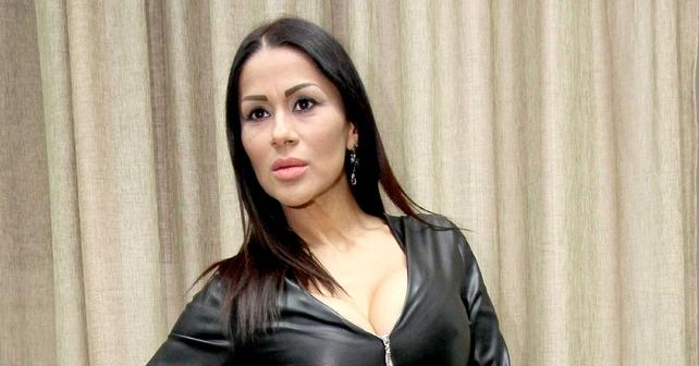 Na fotografiji je prikazan pevačica: Mina Kostić