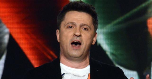 Na fotografiji je prikazan pevač: Nihad Alibegović