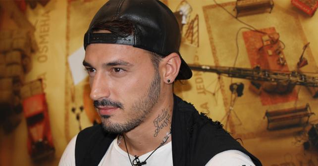 Na fotografiji je prikazan fudbaler, rijaliti učesnik: Lazar Jeremić