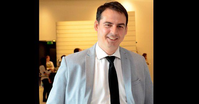 Na fotografiji je prikazan televizijski voditelj: Zoran Kesić