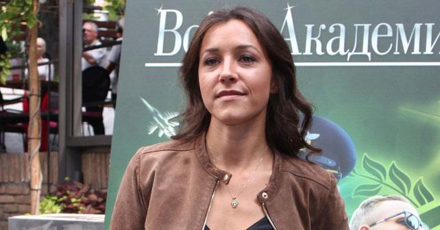 Na fotografiji je prikazan glumica: Vaja Dujović