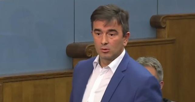 Na fotografiji je prikazan političar: Nebojša Medojević